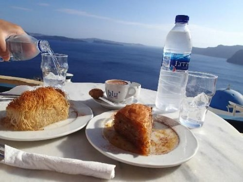 The yummiest desserts in Santorini