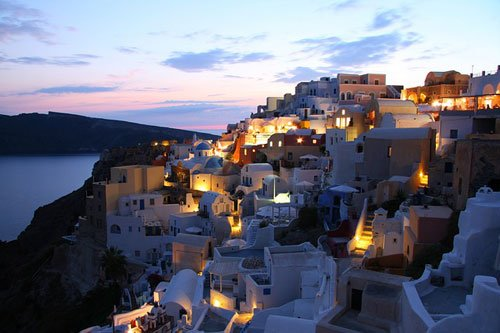 Oia, built on the cliff of Santorini